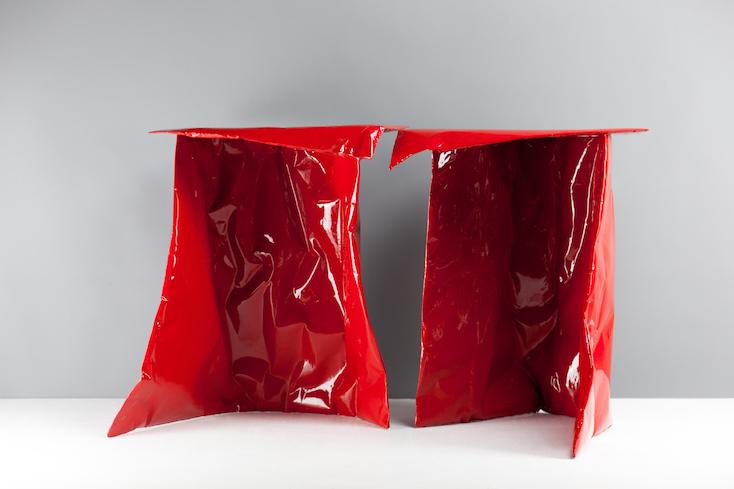 アートのようなおしゃれなテーブルPaper Plastic