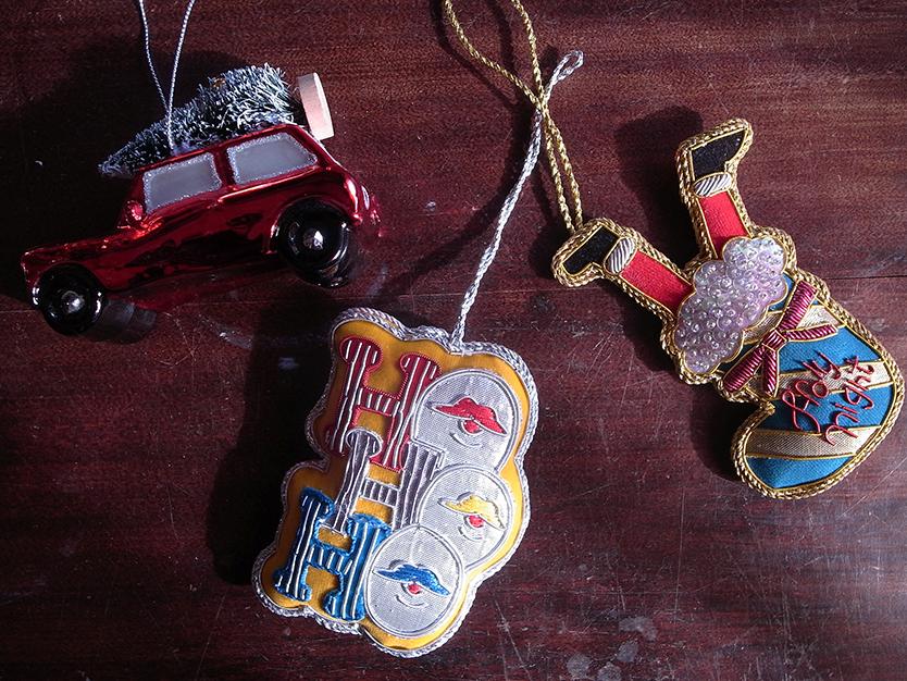 フランフランのかわいい刺繍のクリスマスオーナメント
