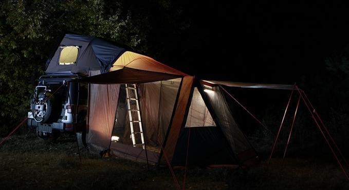 たった1分で愛車の上にテントが完成するSkycamp