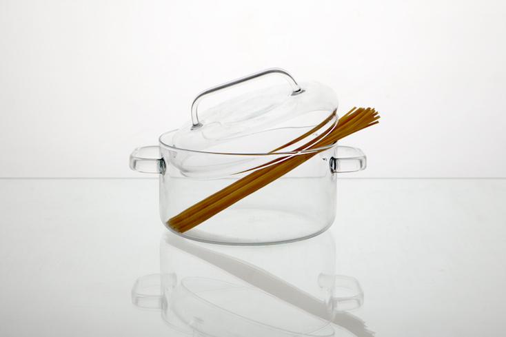 ガラスでできた鍋