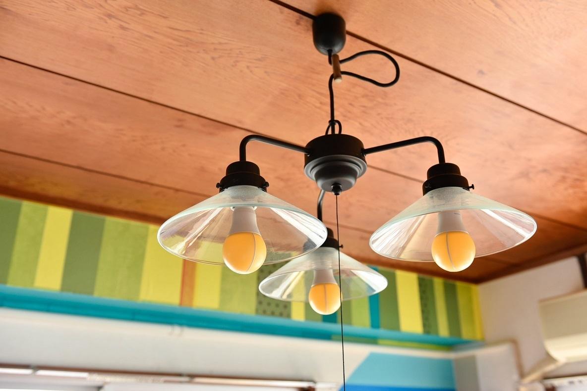 電球を付け替えた照明