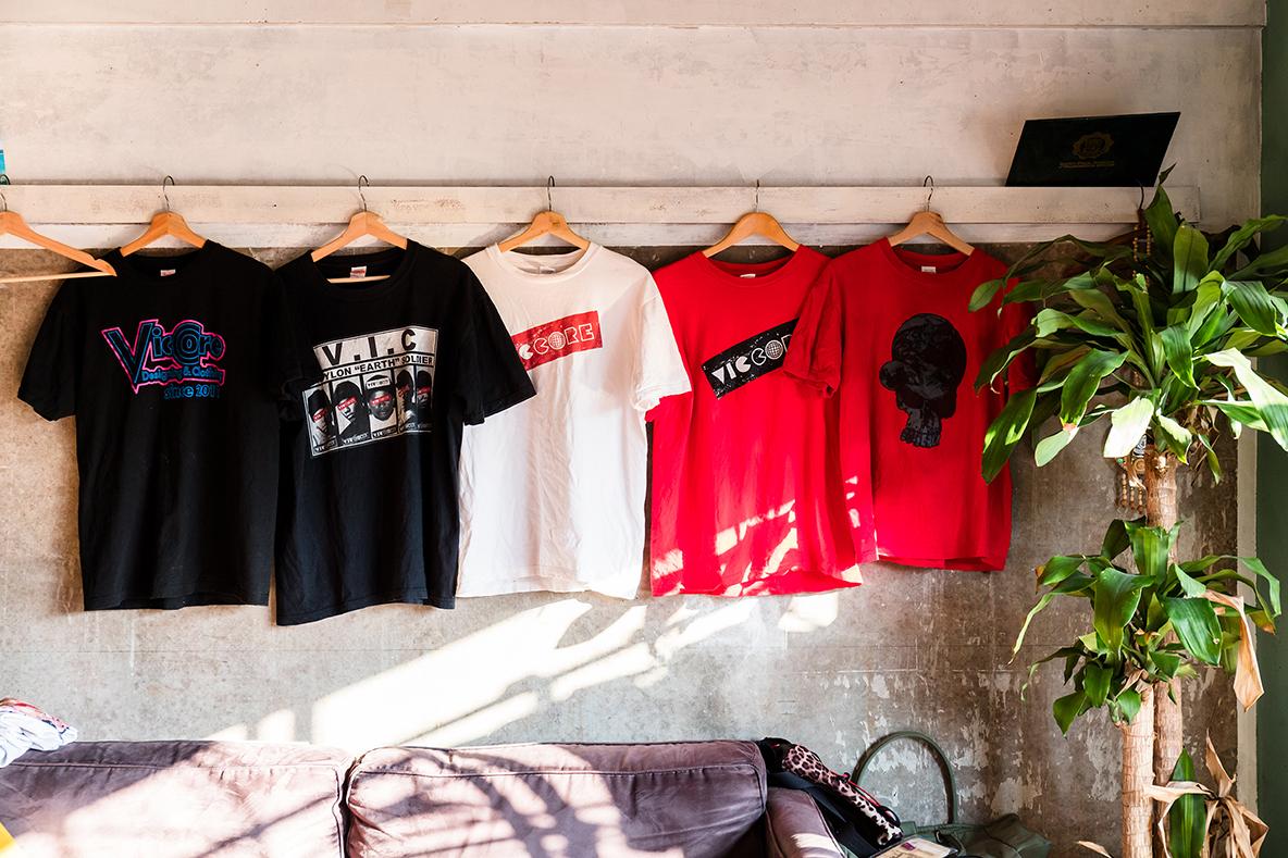 Tシャツブランド「viccore」
