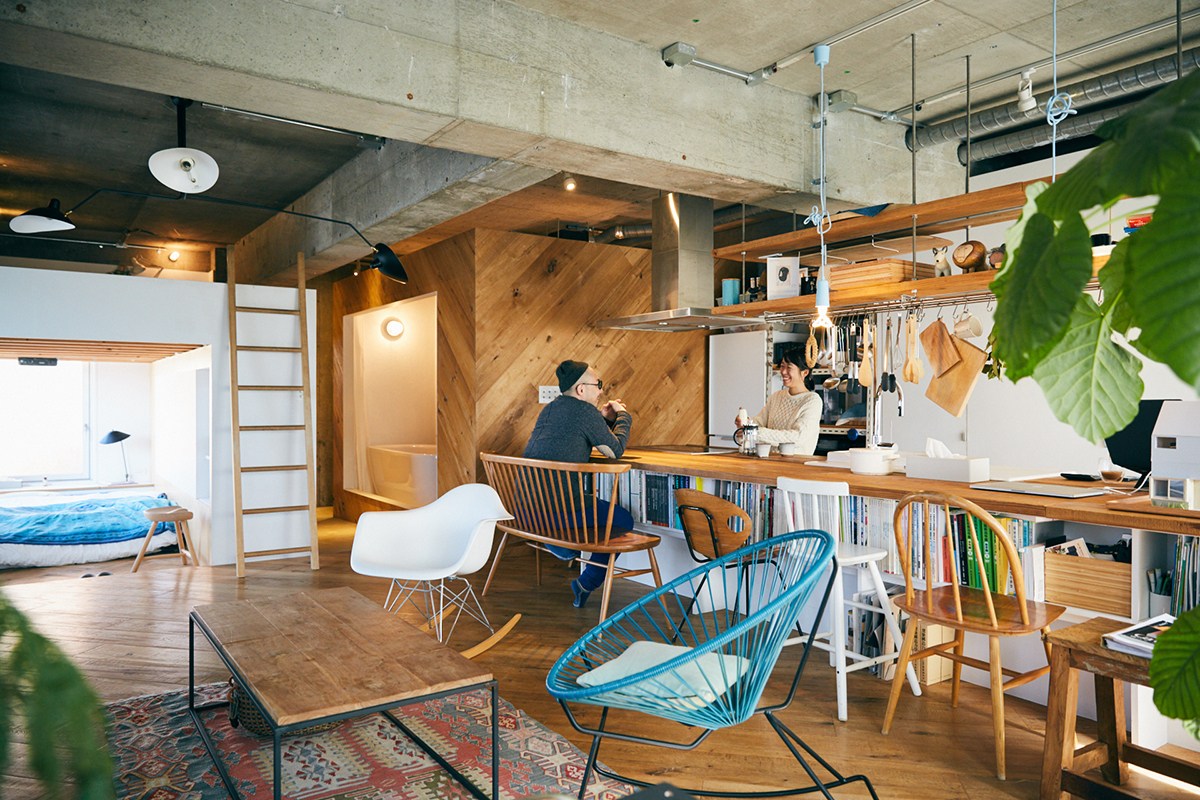 オフロも寝室も。建築家夫婦による「つながる間取り」(川崎市宮前平 ...