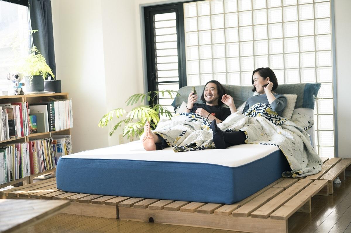 隣のひとを起こさないベッドだから、カップルも子育て世代もうれしい