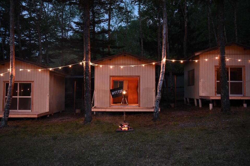 小屋に泊まる。この場所でボクらは最高に自由になる。 | ROOMIE(ルーミー)