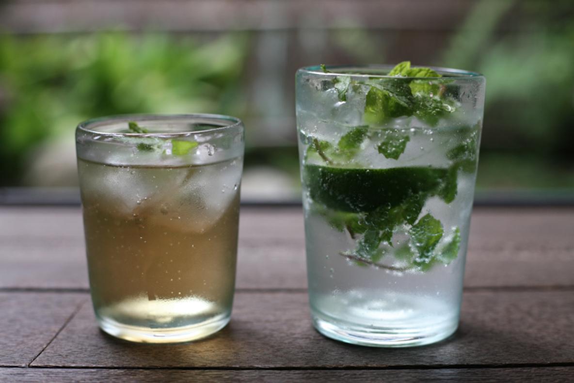 涼しさ感じるこのグラス、素材はあなたの家にもあるアレ…