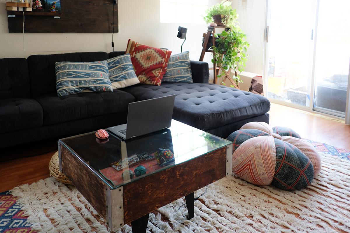 これぞ見せる収納。リビングの「ローテーブル」をギャラリーに|わたしの部屋