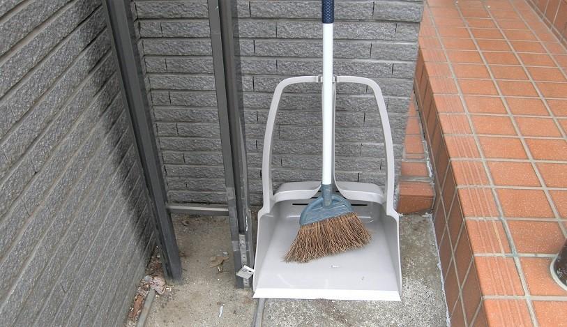 もう秋なんだなぁ…玄関掃除のストレスは、コレで解決できます|マイ定番スタイル