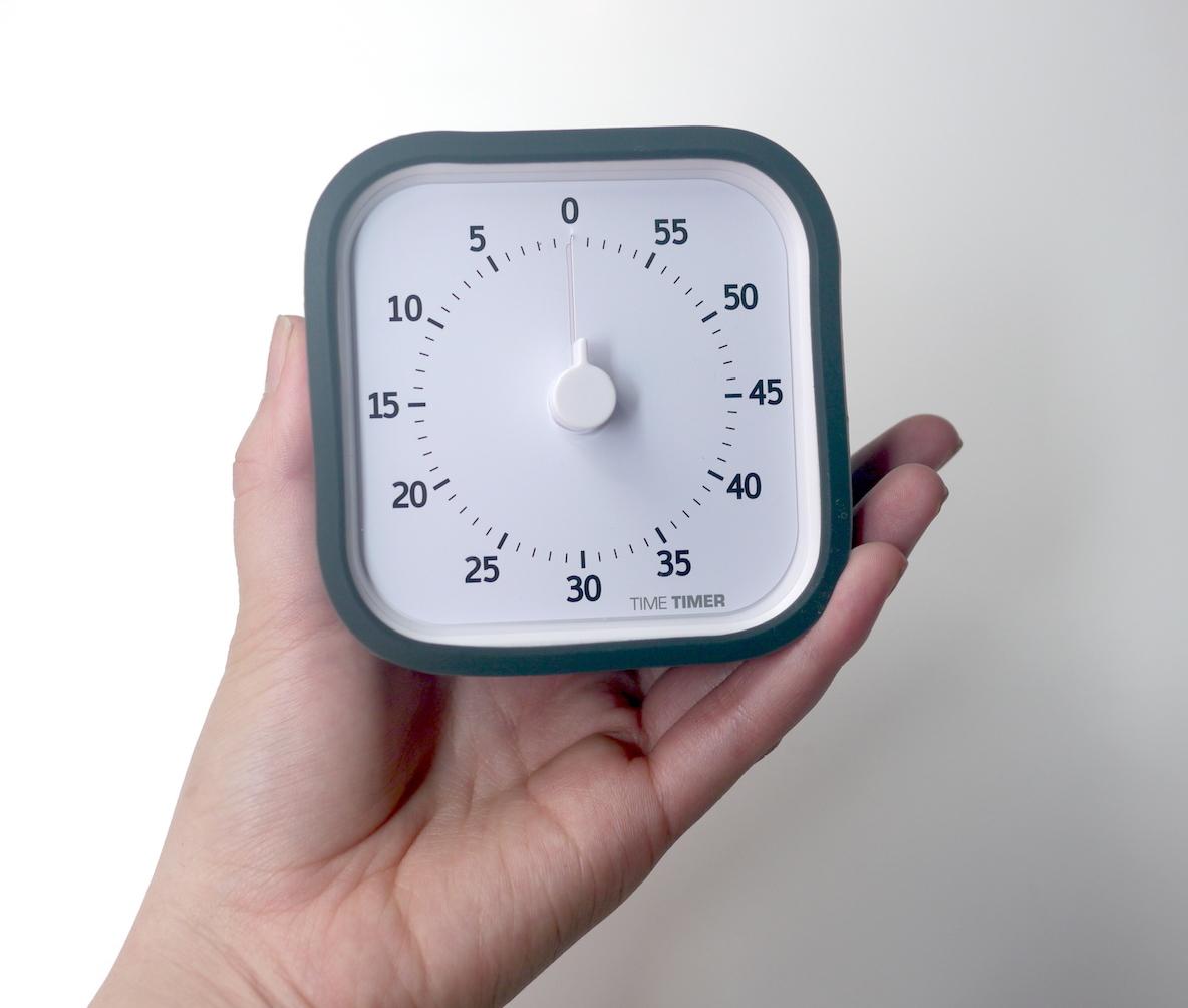 この時計が子どもを「時間が守れる子」に育ててくれる理由…|KIDS ROOMIE