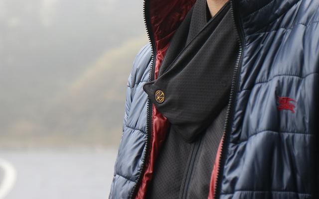 そろそろやってくる寒〜い季節。このスカーフがあればポカポカに過ごせるよ!なぜかというと…