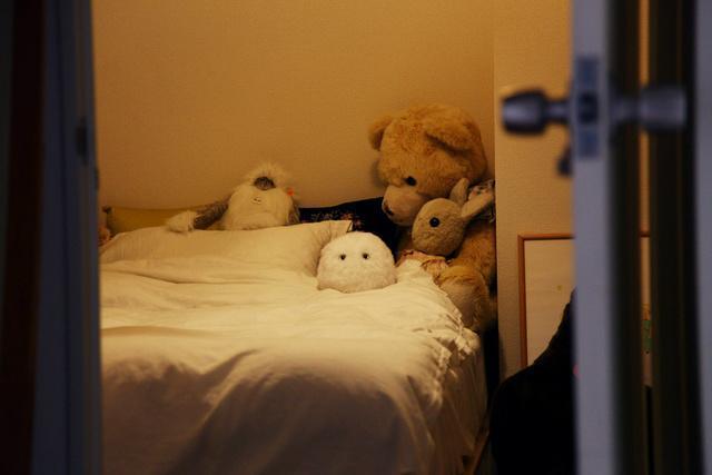 モフかわいい! 毛むくじゃらのこいつが、枕元で寝かしつけてくれるって…!?