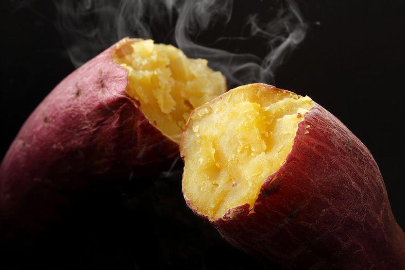ホクホクの焼き芋は、もうお家の中でカンタンに作れる時代なんですね〜!