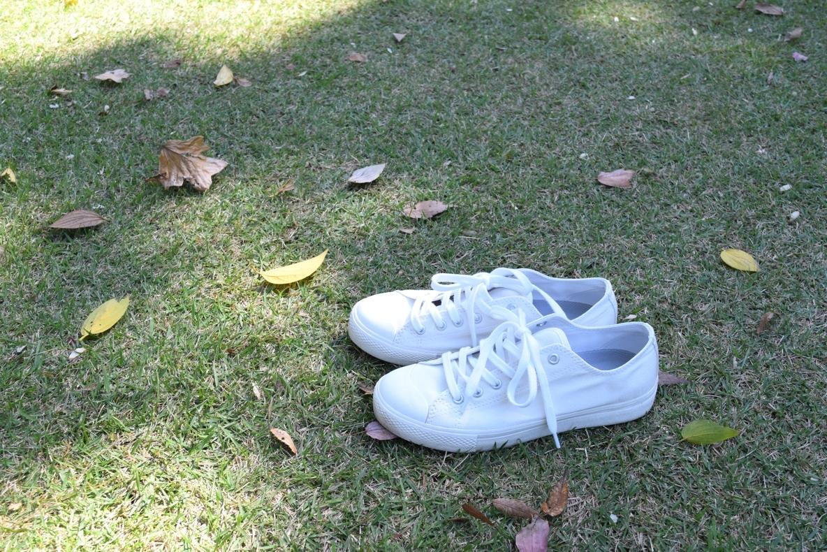 無印の疲れにくいスニーカーが、私の育児を支えてる。汚れが気にならないのも最高!|KIDS ROOMIE