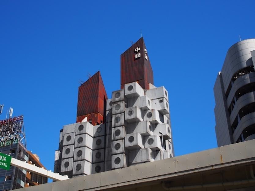 無印家具にかこまれたミニマリスト生活を、銀座の有名建築で体験してみない?