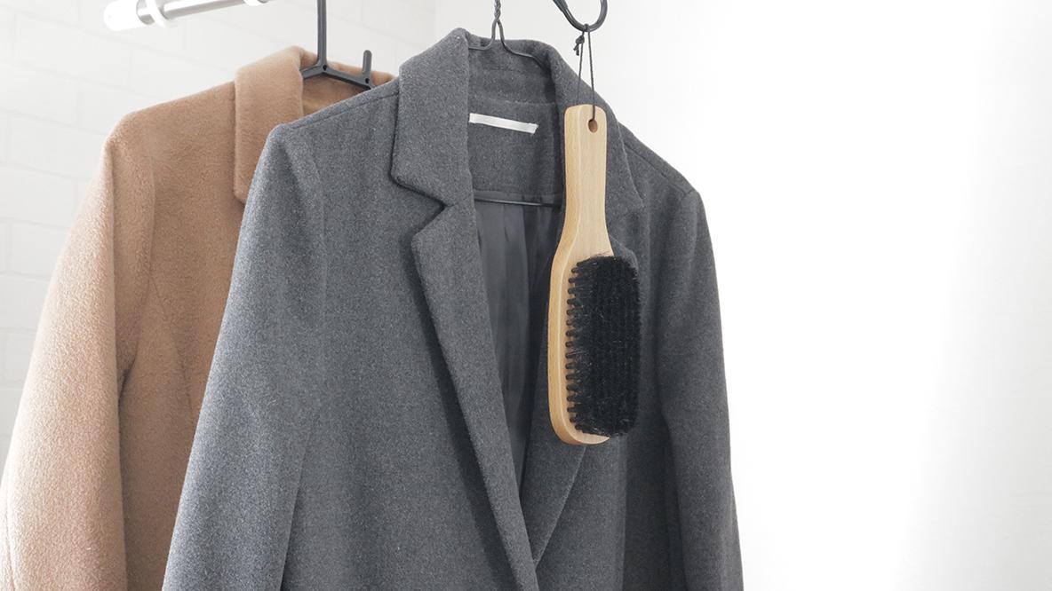 無印アイテムを使ったほんのひと手間でコートも長持ち。なんだか気持ちも落ち着くんだな。|マイ定番スタイル