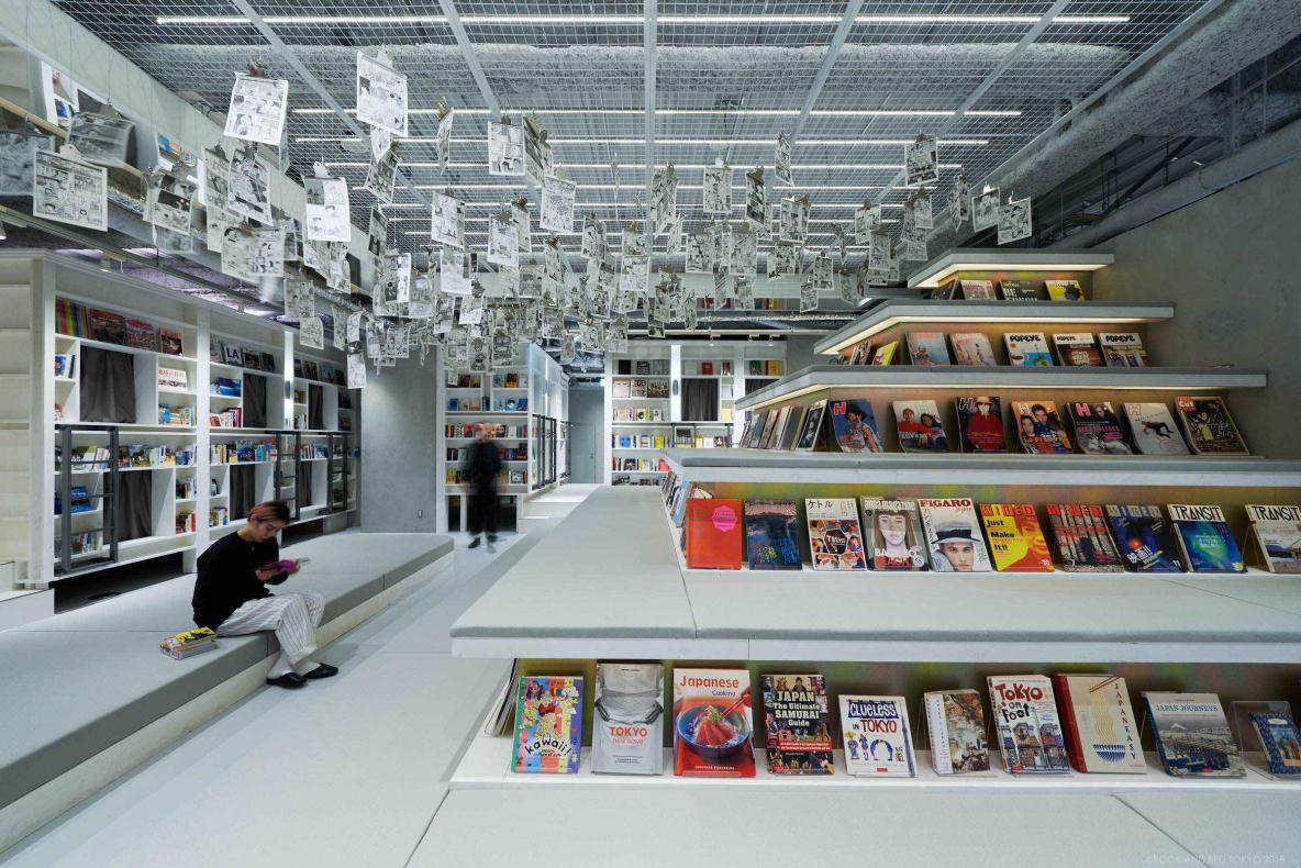 あの「泊まれる本屋」に新店舗オープン! どこもかしこも本だらけだ〜!