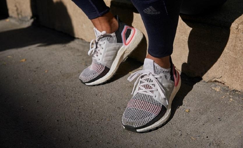 Adidasの大人気モデルの新作は200足の限定販売…!?  もうちょっと用意してくれよ!