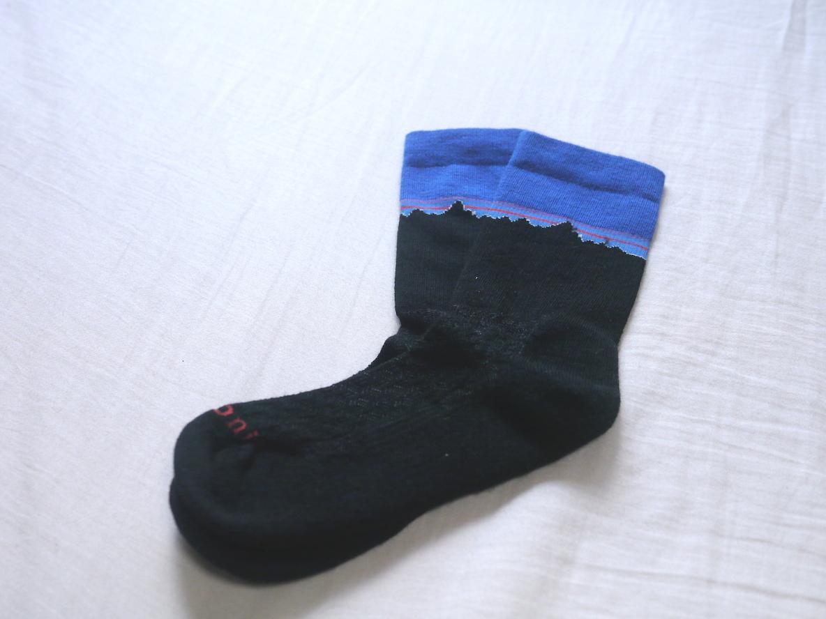 348d2ce086ac0 パタゴニアのロゴ靴下が可愛すぎてもだえる…。アウトドアスペックなのもさすがの一言よ…|マイ定番スタイル | ROOMIE(ルーミー)