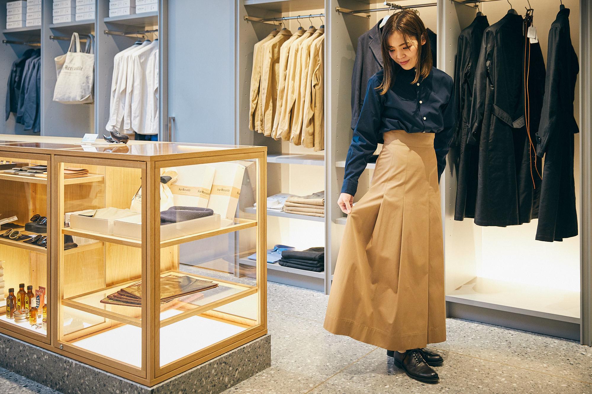 Scyeの新作スカートが春風にたなびけば、英国男子も日本男児も思わずホレてまうやろ〜!   ROOMIE(ルーミー)