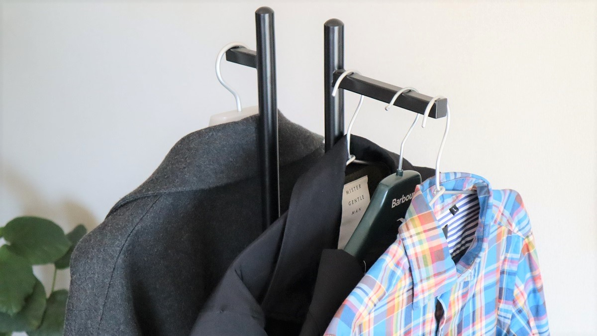 クローゼットに隠さない収納が、家で服遊びをするには最高なんだよね|マイ定番スタイル
