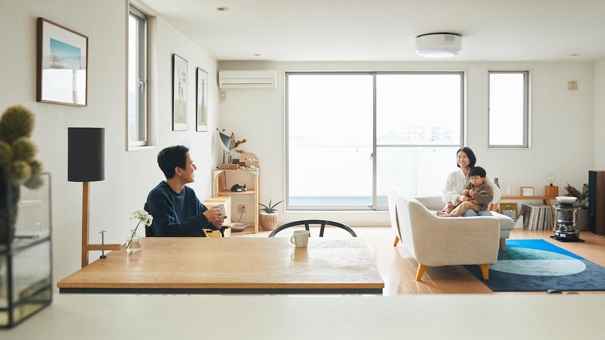 海のみえる部屋って、気持ちいい!アウトドア好き夫婦は、タフな道具で2wayに暮らす(葉山) みんなの部屋