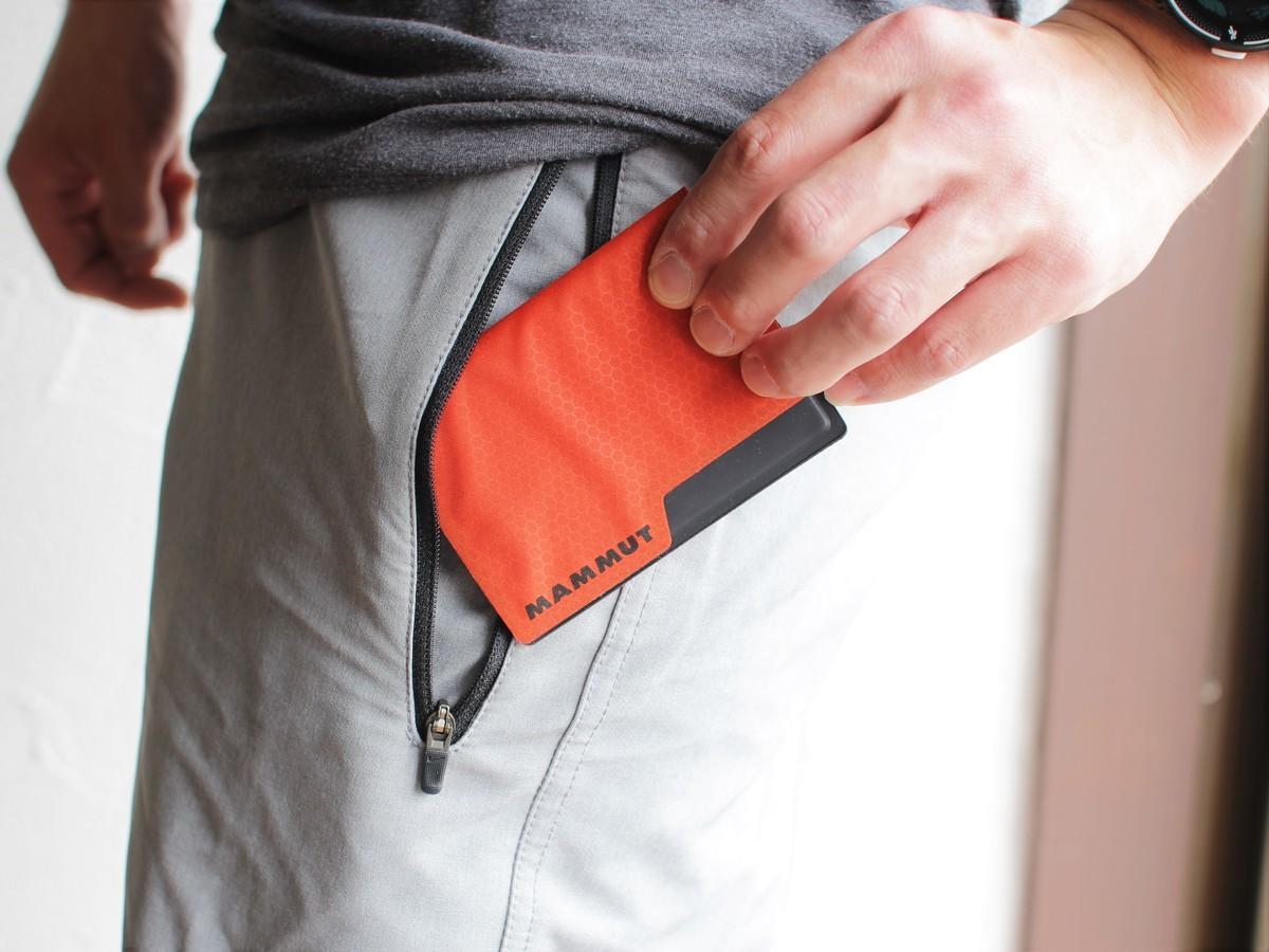 MAMMUTのミニ財布が薄すぎる!さすがのアウトドアスペックだな~ 身軽スタイル