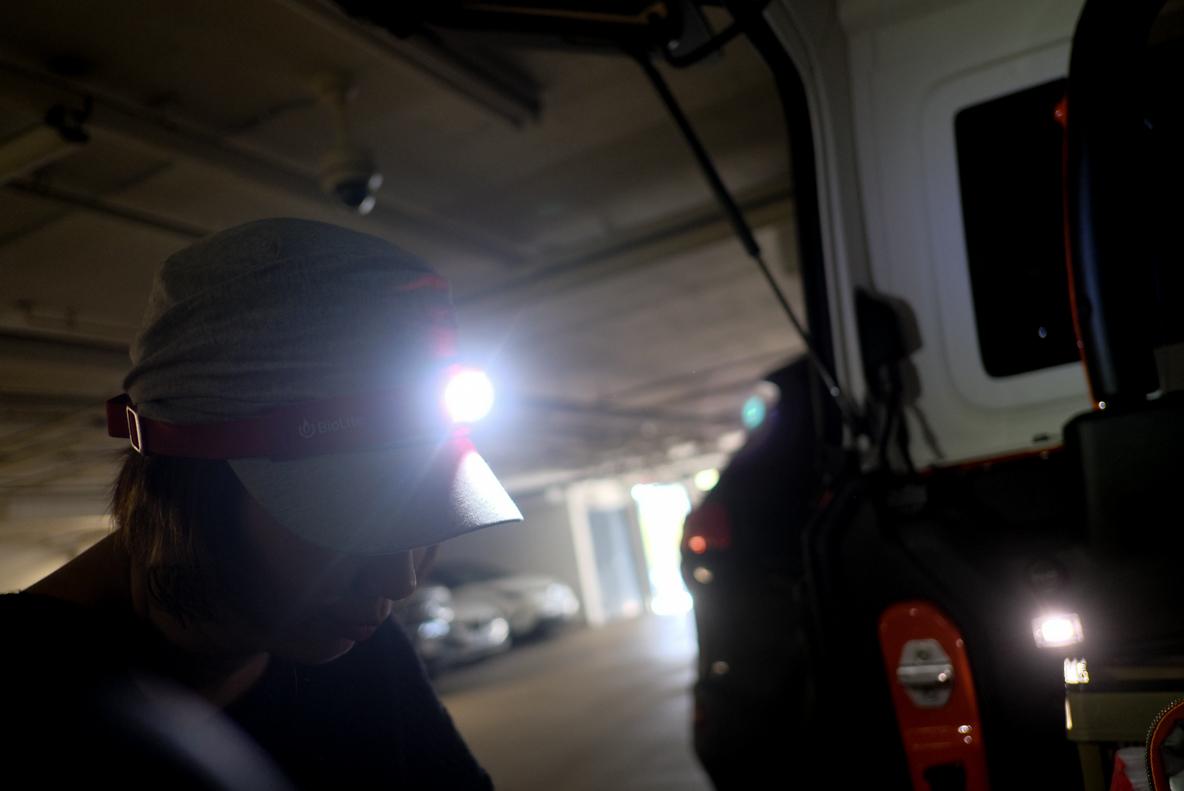 「BioLite」は重さ69グラム。ヘッドライトはこんなにコンパクトでスタイリッシュになった…!