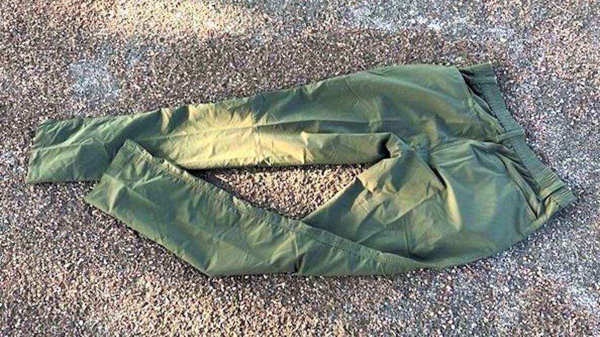 ワークマンのストレッチパンツは、着替えにもってこい。なぜなら軽くて超コンパクトになるから|マイ定番スタイル