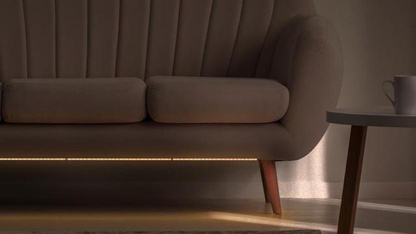 「切って貼れる」ライト…? ベッド下やソファ下に照明なんてホテルみたいだな…