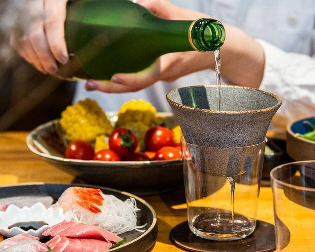 このフィルターで安ワインを高級ワインに変えて飲もうよ!