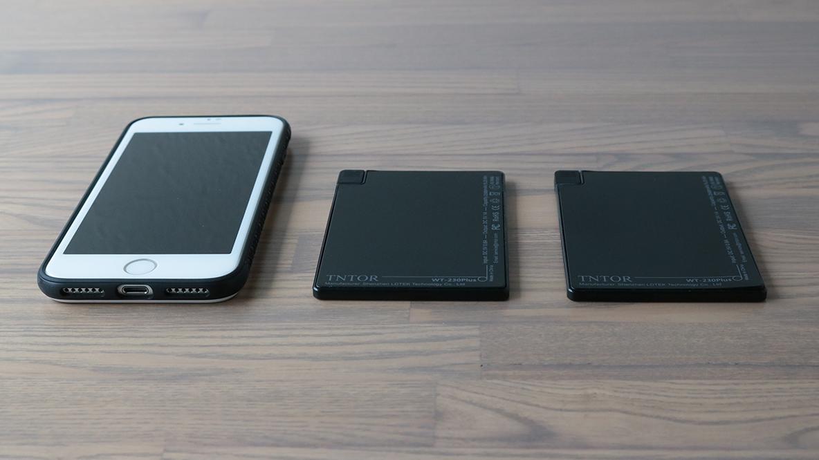 モバイルバッテリーの正解は、厚さ4mmのカード型2枚づかいだったという話|身軽スタイル