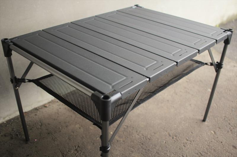 小さめのアウトドアテーブルを探してる人にオススメ!これが5,000円以下は手頃だなぁ…|マイ定番スタイル