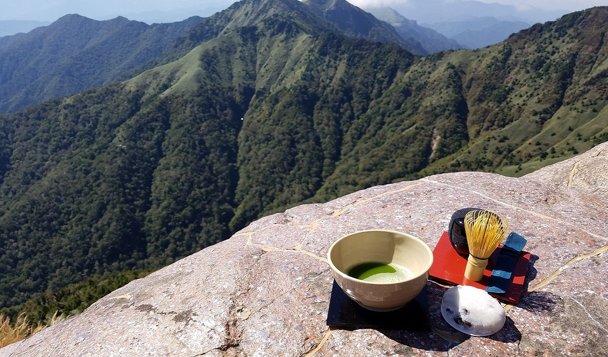登山×お茶というかけ合わせ。モンベルの野点セットのおかげでアウトドアの楽しみが広がるな~│マイ定番スタイル
