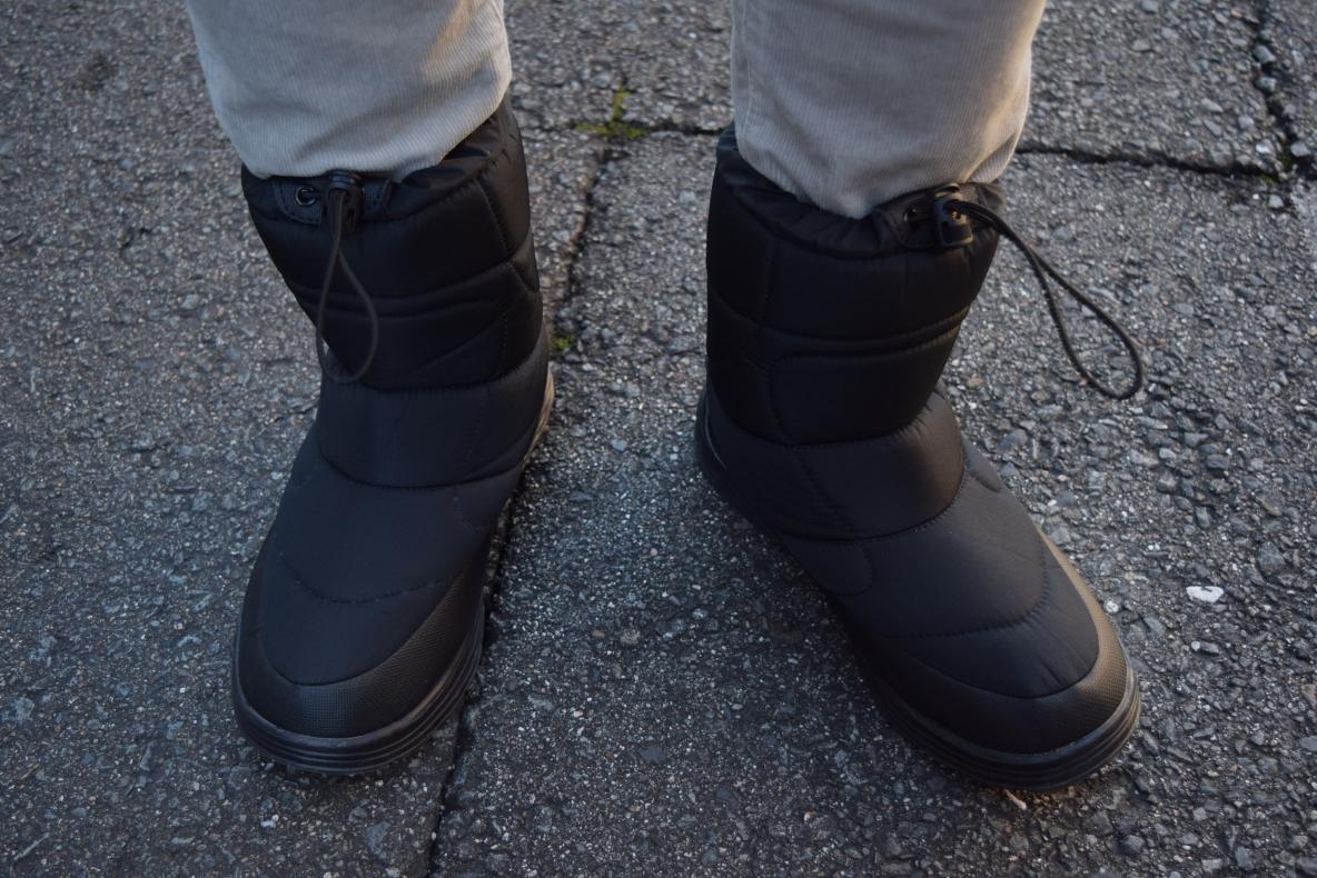 ワークマンの「防寒ブーツ」は、防水&片足たった260gの軽さ!去年モデルより中綿1.5倍であたたかい〜|マイ定番スタイル