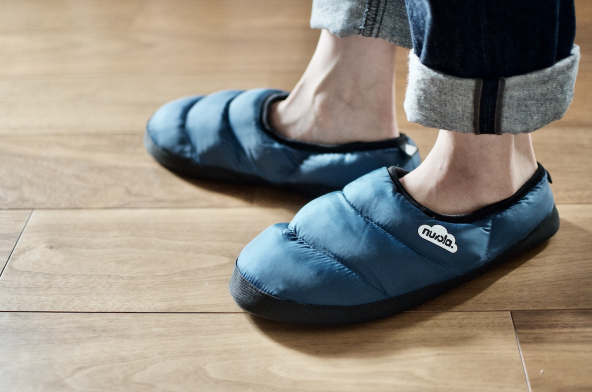 「履くダウン」みたいな一足なら冬でも裸足で過ごせるよ|マイ定番スタイル