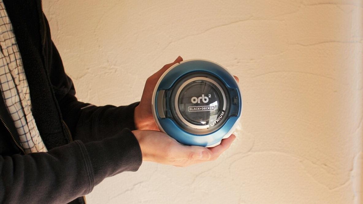 この丸くて小さいガジェットが、デスクの衛生面をずっとキープしてくれてるよ│マイ定番スタイル