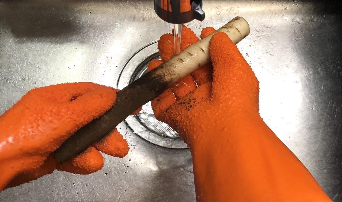 野菜の皮むき、面倒すぎる問題。調理を時短する「魔法の手袋」とは…?|マイ定番スタイル