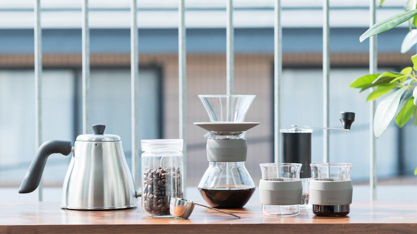 このコーヒーグッズ、フラスコやビーカーっぽくて触ってみたいな…