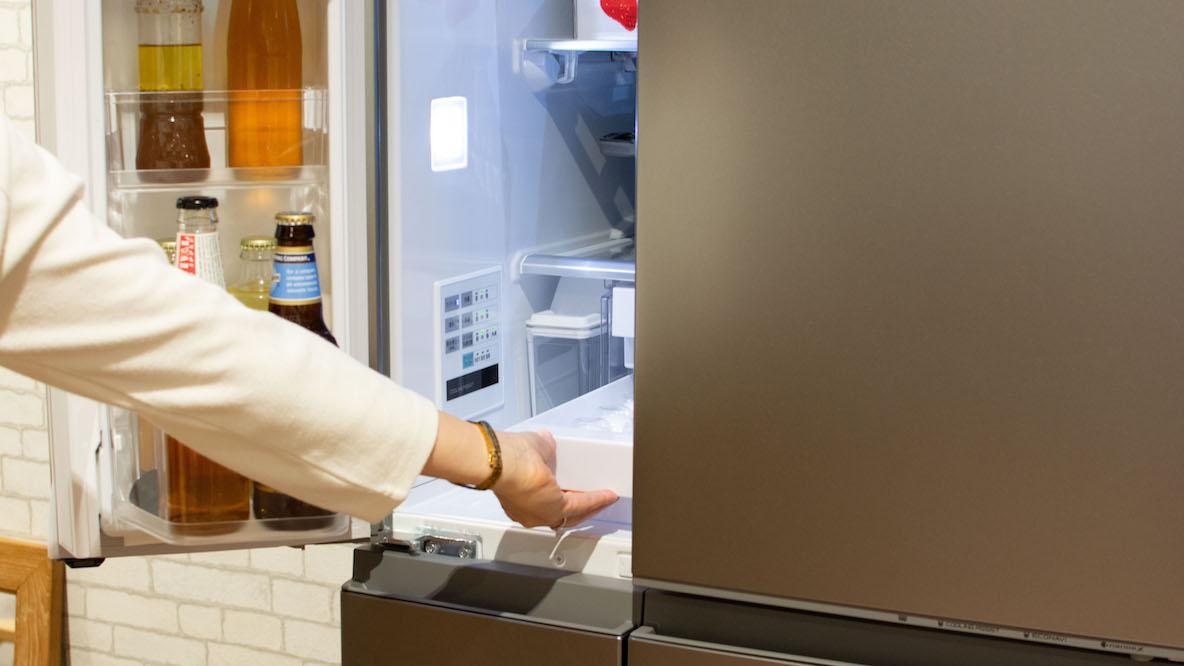 "Panasonicの最新冷蔵庫は、""まとめ買い""の味方! 大容量で食材も長持ちするヒミツはね…"