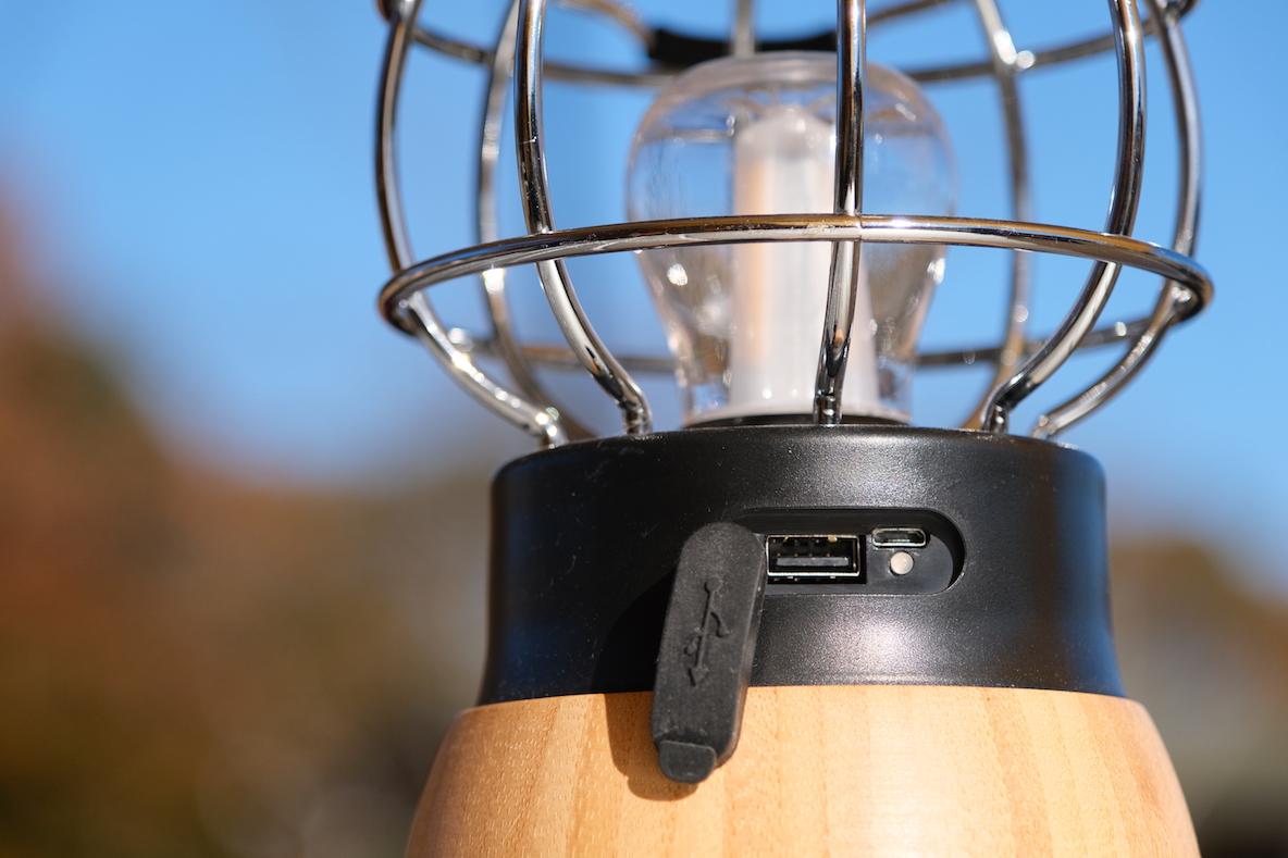 LOGOS 「Bamboo コテージランタン」 USB接続部分