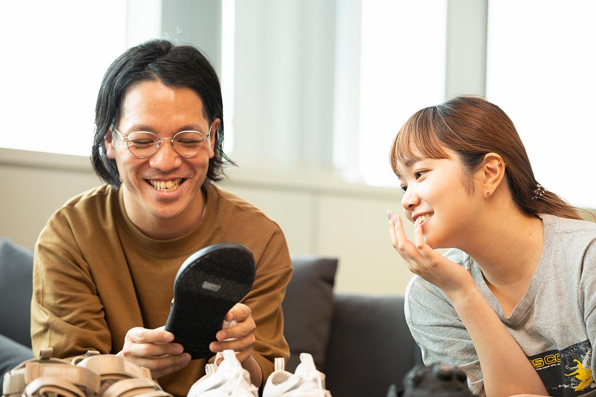 スタイリスト宇田川雄一さんとROOMIE編集部員