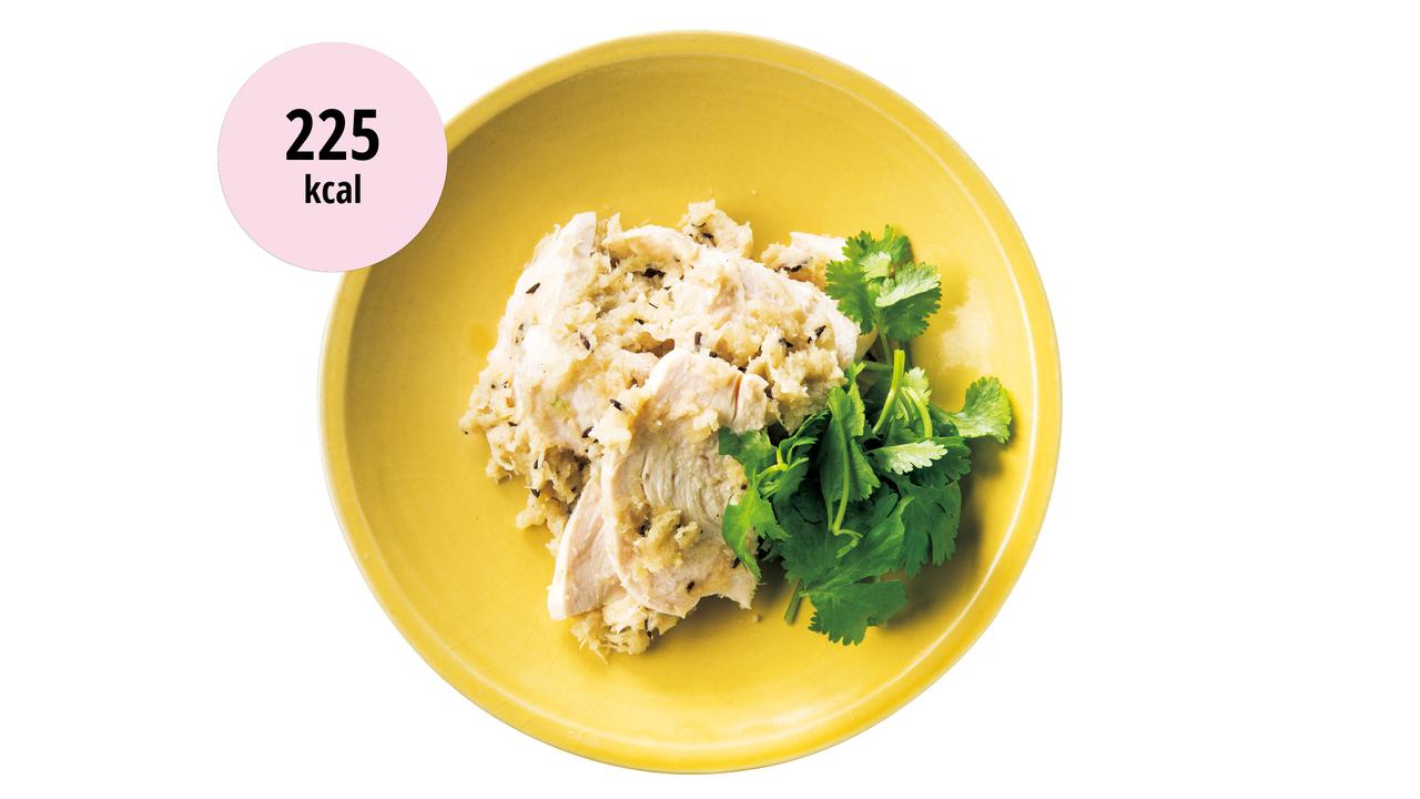蒸し鶏のおろし炒め和え〜エスニックな味付けで外食気分に