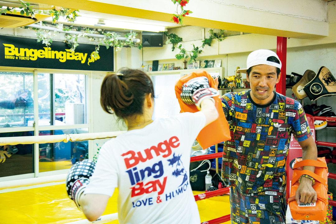 新田明臣さん(にった・あけおみ)/1973年生まれ。元キックボクサー、元WKAムエタイ世界スーパーウェルター級王者。K-1に参戦し、「甦ったキックの英雄」と呼ばれる。バンゲリングベイ代表。