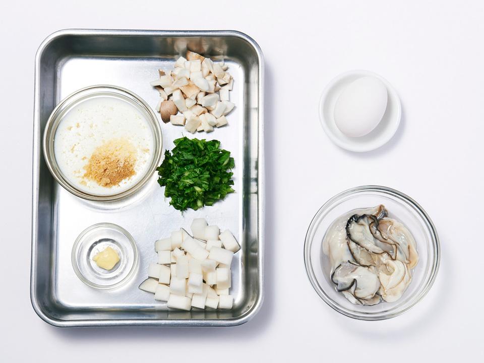 牡蠣と蕪の洋風雑炊の食材