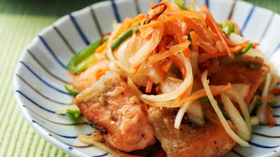 アジと比べて脂質がOFF! 鮭で作る南蛮漬け定食|週末リセットブランチ vol.18