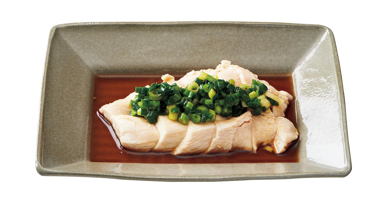 蒸し鶏のネギだれソース(150kcal)