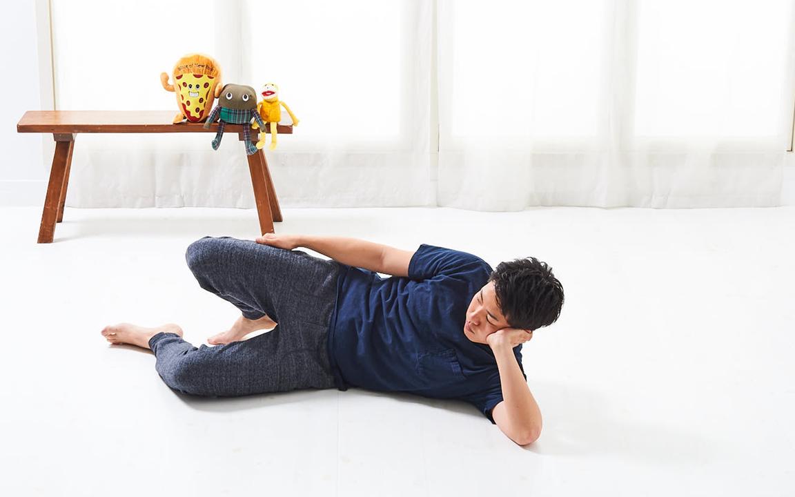 「腹直筋」の寝っ転がりながらトレ。Basicレベル動作1