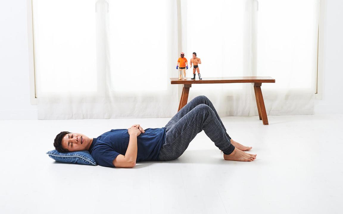 胸筋を鍛える「寝っころがりながらトレ」Basic動作1