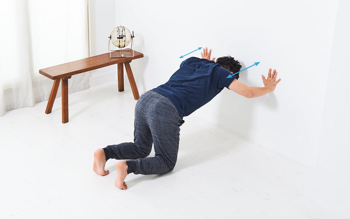 肩の筋肉を鍛える「寝っころがりながらトレ」Advance動作2