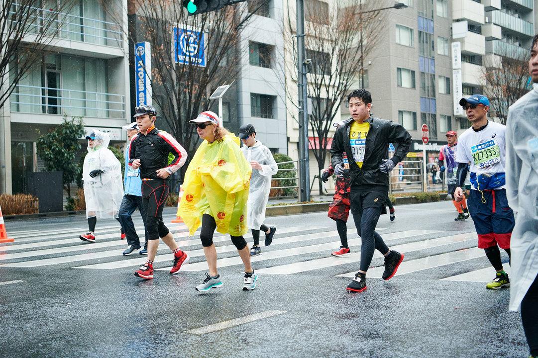 東京マラソン2019、26km地点過ぎの『ターザン』編集部員ムラタの様子